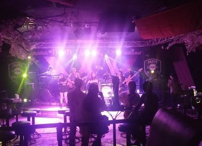Noname Place To Party Batam